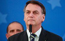 "Bolsonaro anuncia ""auxílio diesel"" para 750 mil caminhoneiros"
