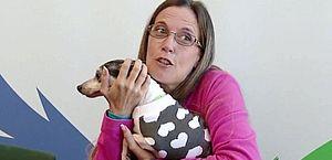 Mulher reencontra cadela após 12 anos e a cerca de 1.600 km de distância