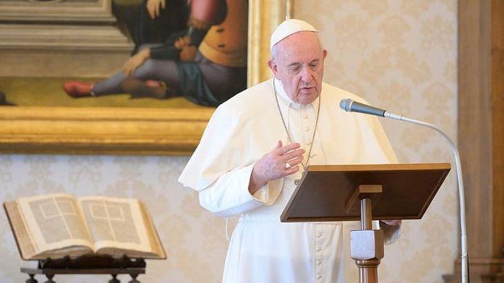 Ele falou a centenas de fiéis em audiência-geral na Sala Paulo VI