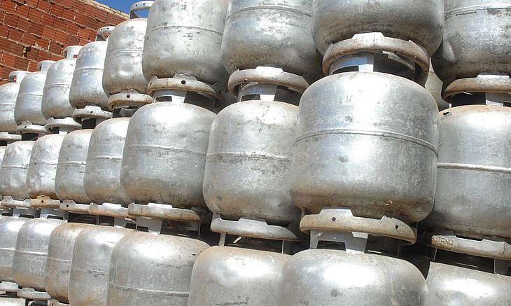 Depósito de gás servia como ponto de venda e consumo de drogas, segundo a polícia