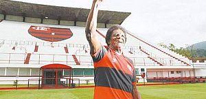 Aos 80 anos, morre o ex-atacante Batuta, ídolo do Flamengo
