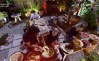 Após ganharem prova, peões do grupo Terra curtem noite de pizza