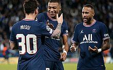 Messi não se vê na briga pela Bola de Ouro e enaltece Neymar e Mbappé