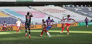 Fortaleza derrota CRB e abre vantagem nas oitavas da Copa do Brasil