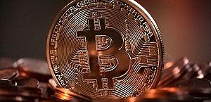 Bitcoin dispara 98% neste ano e atrai novos investidores