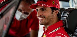 'Quero ser campeão mundial', diz Sainz ao rejeitar ser 'Barrichello' na Ferrari