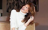 Claudia Raia exalta autoestima após foto sexy