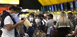 Itália proíbe voos vindo do Brasil devido à nova variante do coronavírus