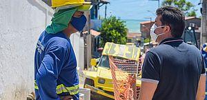 Infraestrutura: Prefeito Rui Palmeira vistoria obras em Riacho Doce