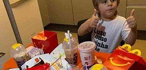 Em Recife, menino de 3 anos pede R$ 400 de lanche escondido no cartão da mãe