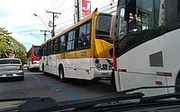 Parte das linhas de ônibus que circulam no Farol suspende serviço durante manifestação