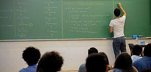 Bolsonaro poderá escolher 11 reitores após documento que reduz poder de estudantes