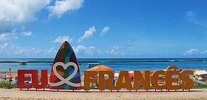 Turistas pernambucanos se afogam e são resgatados na Praia do Francês; veja vídeo