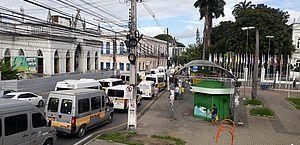 Em carreata, transportadores de turismo e escolares de Alagoas reivindicam auxílio financeiro