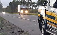 PRF prende duas pessoas e apreende mercadorias sem nota fiscal em Alagoas