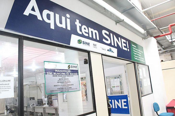 O posto de atendimento do Sine Maceió fica localizado no 2º piso do Shopping Popular na Rua do Livramento, no Centro