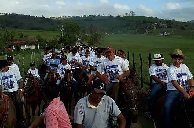 Cavalgada e Festa do Mastro iniciam comemorações da padroeira, em Anadia