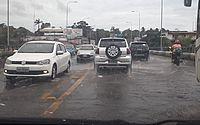 Vídeo: chuva repentina deixa trânsito lento e ruas alagadas em Maceió; confira previsão