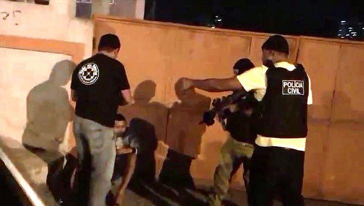 Imagens mostram o momento da prisão