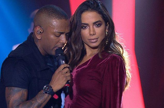 Após comentários transfóbicos, Nego do Borel é vaiado e recebe apoio de Anitta
