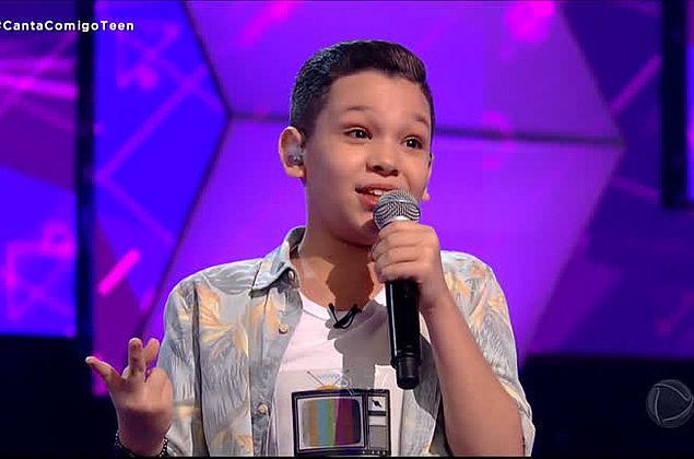 Vídeo: cantor alagoano de 11 anos encanta 98 dos 100 jurados do Canta Comigo Teen