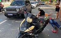 Acidente entre carro e moto deixa dois feridos na Avenida Fernandes Lima