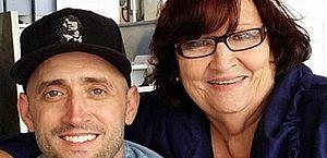 Mãe de Paulo Gustavo agradece carinho de fãs e faz apelo: 'Usem máscara'