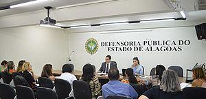 Defensoria Pública realiza audiência para restabelecer serviços de apoio a alunos autistas