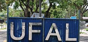 Ufal esclarece sobre expedição de diploma e colação de grau