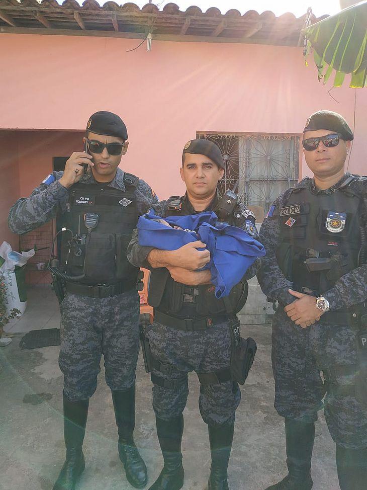 Militares da guarnição ajudaram no parto da pequena Edvânia