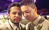Após críticas, Carlinhos Maia diz por que não beijou noivo em casamento