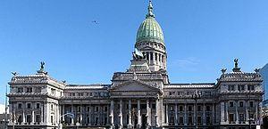 Senado da Argentina aprova imposto extraordinário sobre grandes fortunas