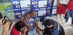 Vídeo: protesto de ex-funcionários da Veleiro termina com feridos após chegada da polícia