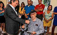 Após sofrer aneurisma, historiador Dirceu Lindoso morre no HGE