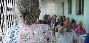Dona de abrigo clandestino de idosos é presa no Recife por maus-tratos e apropriação de benefício