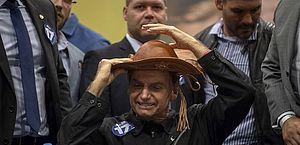 Atos contra e pró-Bolsonaro movimentam Recife