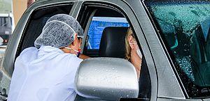 Vacinação drive-thru segue no fim de semana; veja horário e locais