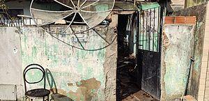Incêndio destrói casa e idoso sofre queimaduras de 1º e 2º grau em Maceió