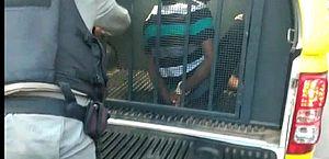 Vídeo: suspeito é espancado por populares após tentar roubar moto, em Arapiraca