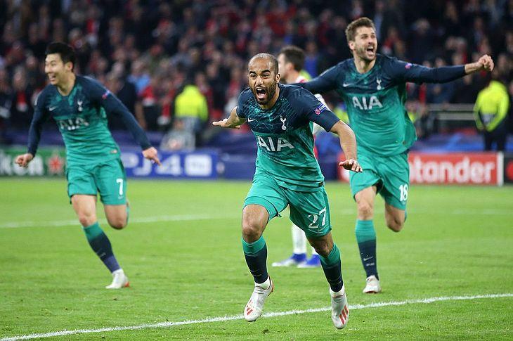 Lucas Moura marcou os três gols da virada inglesa
