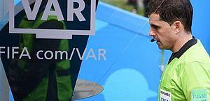 Premier League quer mudar VAR para casos de impedimento