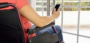Projeto: pessoas com deficiência poderão comprar celular e computador  mais baratos