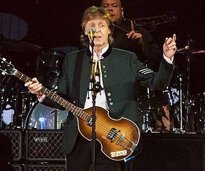 """Após sete anos, Porto Alegre recebeu Paul McCartney, para o show de estreia da turnê """"One on One"""" no Brasil"""