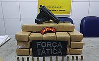 Quase 11 kg de maconha estavam num casa no Conjunto Santa Maria, em Maceió.