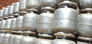 Veja de quanto será o desconto e quem terá direito ao auxílio gás aprovado pela Câmara