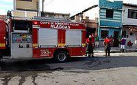 Vídeo: incêndio em mercadinho deixa uma pessoa ferida, em Jaraguá