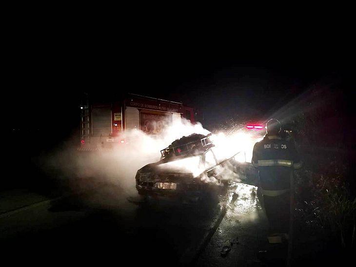 Capotamento deixou quatro feridos
