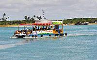 Catamarã vira durante passeio na Barra de Santo Antônio