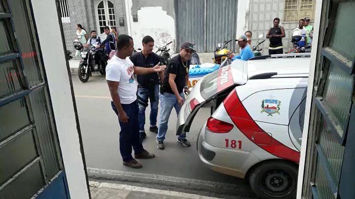 Suspeito foi localizado em casa e levado para a delegacia