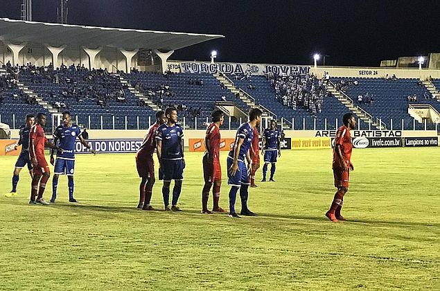 CRB bate o Confiança por 2 a 0 em Aracaju e vence a primeira no Nordestão